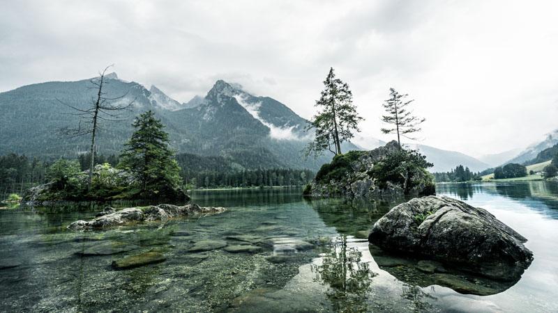 fotospot-empfehlung-für-fotografen-felsen-im-hintersee-urlaub-im-berchtesgadener-land